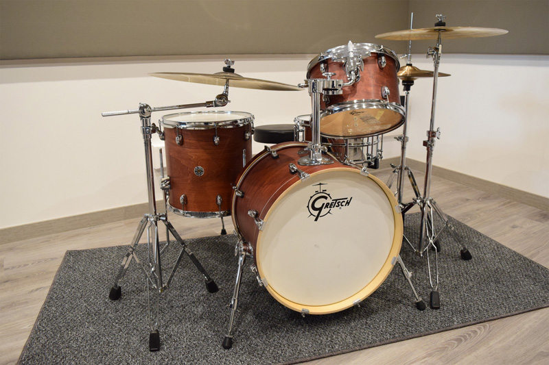 "Gate24 Estudi de so - Gretsch Catalina Club Jazz Satin Walnut Glaze drumkit + Ludwig Supralite 14""x6.5"" Snare + Symrna Raven Crash & Ride + Meinl Classics Hi-Hat"